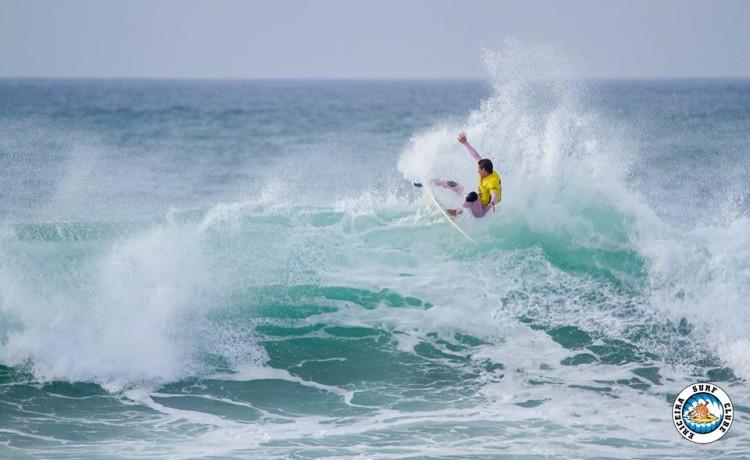 Frederico 'Martim' Magalhães em ação na última etapa do circuito do Ericeira Surf Clube (®AlvaroFr/EriceiraSC)