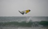 Daniel Salvaterra em momento de grande elevação durante a sessão de ontem na Praia da Rocha (®PauloMarcelino)