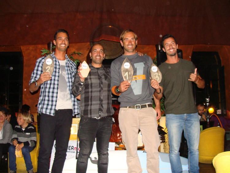 Finalistas Open da etapa de ontem, última, do intersócios 2016 do Albufeira Surf Clube (®AlbufeiraSC)