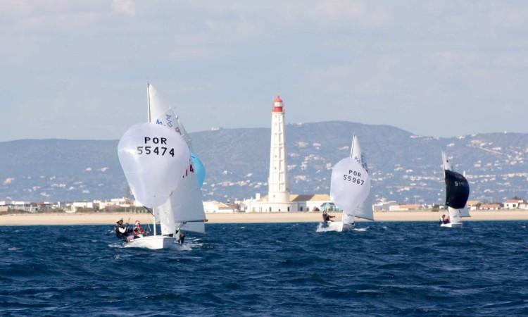 Prova decorreu no campo de regatas da Ilha do Farol com vento instável de intensidade e direção (®CustodioSancho)