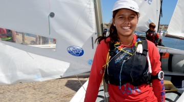 Beatriz Gago tem 14 anos de idade e está na Mussanah Race Week, em Omã, como convidada, a custo zero (®PauloMarcelino/Arquivo)