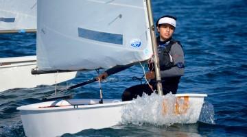 Beatriz Gago segue em 9º (2º Feminino) em Omã, numa frota composta por alguns dos melhores do Mundo em Optimist (®PauloMarcelino/Arquivo)