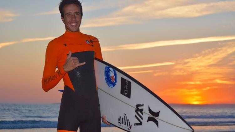 Além da competição, Francisco Duarte quer melhorar o nível técnico do seu surf e por isso tem planeadas viagens de treino ao estrangeiro (®PauloMarcelino)