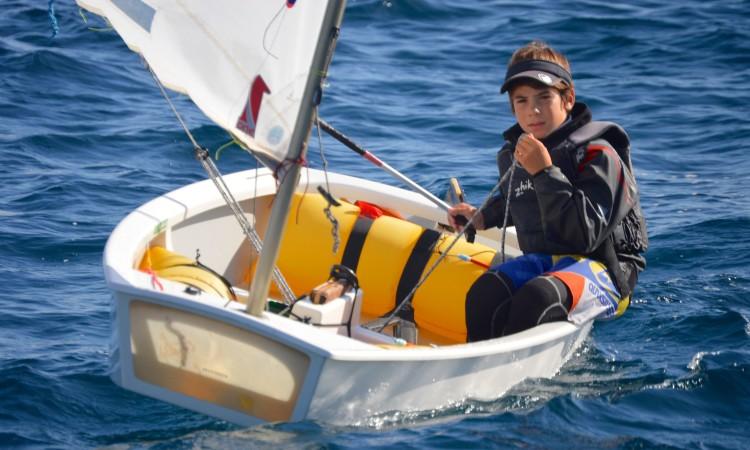 Guilherme Cavaco lidera fruto de uma impressionante regularidade em todas as regatas (®PauloMarcelino/PARSulFaro)
