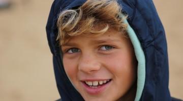 João Maria Mendonça, 11 anos, campeão nacional. Vídeo de treinos no Hawaii destacado na Surfline (®GianLucaSchneider)