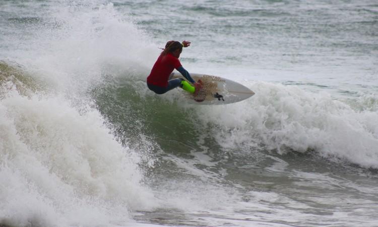 Michael Conlan venceu em Sub-16 e fez 2º lugar Sub-18. Foi o surfista que mais ondas apanhou hoje na Falésia (®GianLucaSchneider)