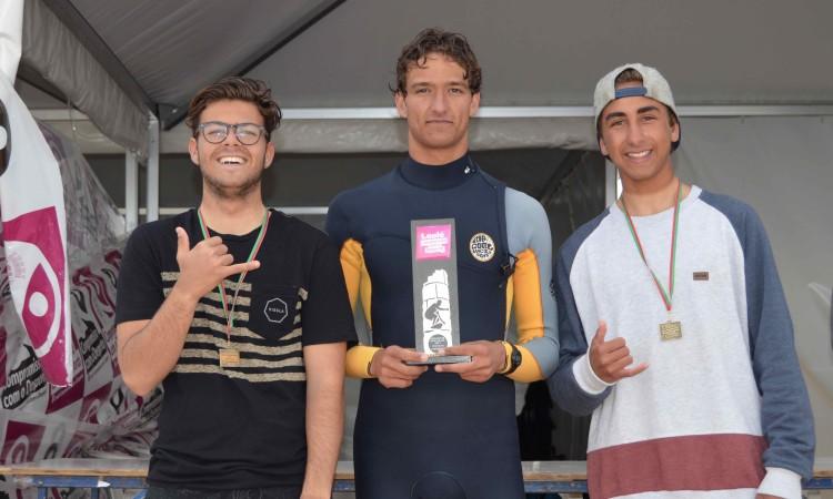 José Mestre, Isaac Felizardo e Diogo Barbosa no pódio Longboard. Luís Esteves não compareceu na final (®PauloMarcelino)