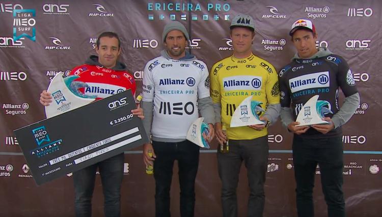 Marlon Lipke, de amarelo, no pódio masculino com Tiago Pires, vermelho; José Ferreira, branco; e Vasco Ribeiro (®screenshot)