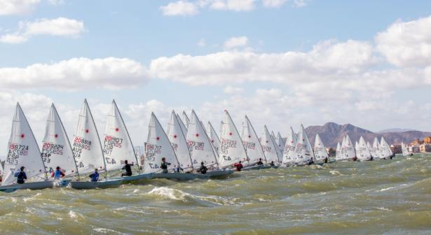 340 velejadores em Murcia, 24 de Portugal. São algarvios o melhor resultado português feminino e o segundo melhor masculino  (®TomTouwPhotography)