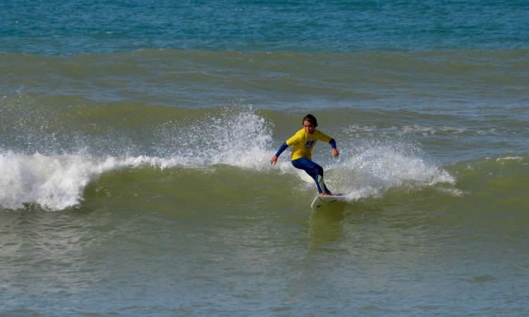Henrique 'Piki' Gomes foi hoje o atleta mais jovem em prova na Praia de Faro (®PauloMarcelino)