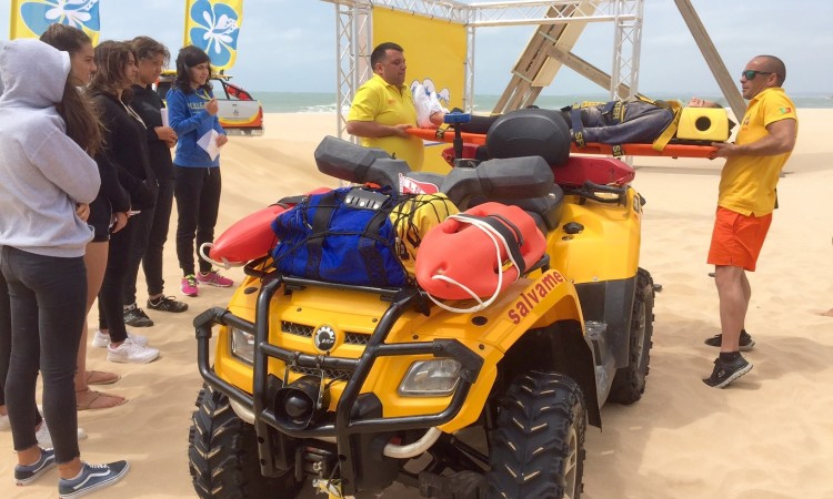 Nova temporada 'Surf Salva' começa com três eventos especiais, integrando mais meios complementares de salvamento. O primeiro desses eventos aconteceu hoje, na Praia da Rocha, em Portimão (®PauloMarcelino)