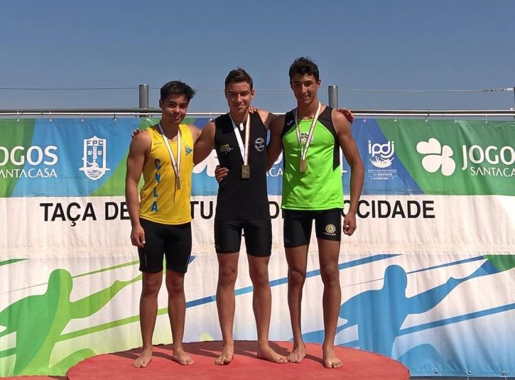 O 'castor' algarvio Iago Bebiano, de preto, conquistou uma medalha de ouro e uma medalha de prata (®KCCA)