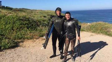 Jody Lot, à esquerda, e Humberto Silva, vice-campeões nacionais de pesca submarina em duplas (®CNOCA)