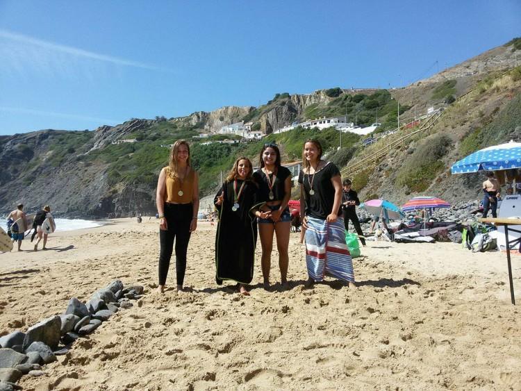 A mais pequena Constância Simões venceu o Open Feminino. Dias de glória para a jovem surfista de Portimão (®CristinaRocha)