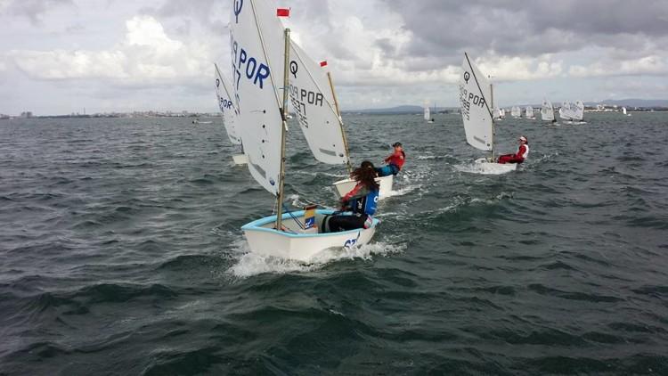 Momento da 2ª Prova Troféu Duarte Bello, no Mar da Palha, onde os algarvios voltaram a impor-se aos adversários (®CNOCA)