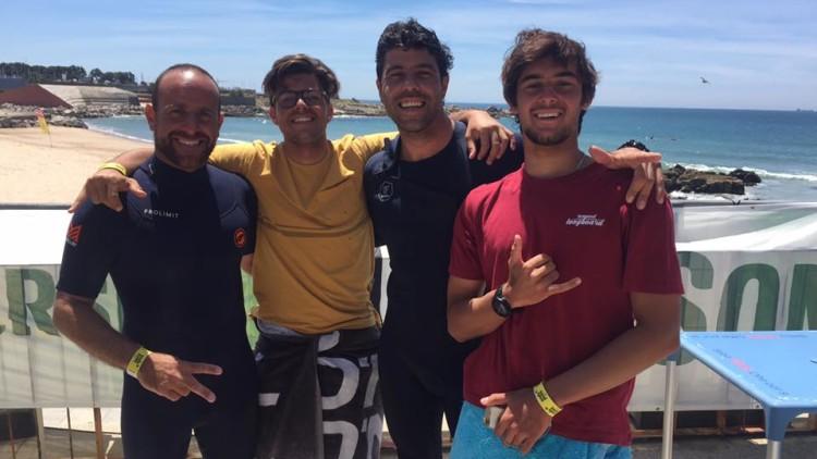 Finalistas Longboard Open na Praia Internacional. Algarvio José Mestre é o segundo da esquerda (®WaveSeries)