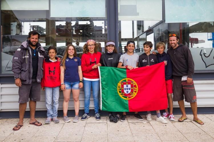 Atletas apurados para a Seleção de Portugal ao Europeu Optimist, incluindo Vladislav Bedlinskyy, à direita, de calções vermelhos (®CNA)