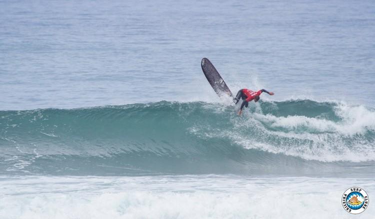 Luís Esteves fez uma onda de 9 pontos em Ribeira D'Ilhas e terminou a etapa em 3º (®ESC)