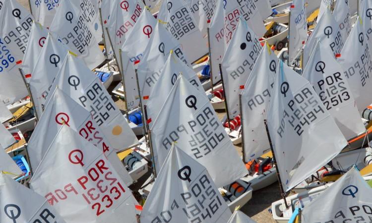 Velejadores vão competir por 13 lugares para representar Portugal no Mundial e no Europeu de Optimist (®PauloMarcelino/arquivo)