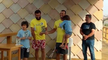 Miguel Martinho, com a filha ao colo. Também de amarelo está Vasco Chaveca, presidente da AFWP (®ConnieLeibner)