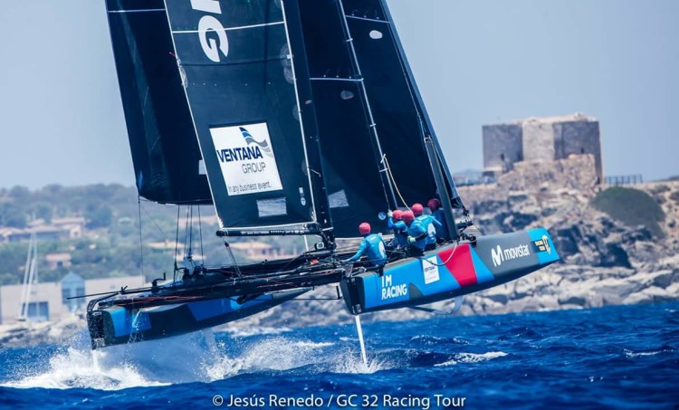 Equipa espanhola onde está integrado o algarvio Luís Brito venceu a regata de treino na 2ª etapa do GC32 Racing Tour (®DR)