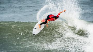 Teresa Bonvalot é a primeira surfista portuguesa a conquistar o título europeu junior por duas vezes consecutivas (®PedroMestre/ANS)