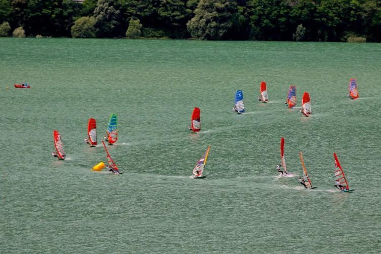 Mundial por categorias no Lago de Santa Croce foi totalmente dominado pelo duelo entre Janis Preiss e Miguel Martinho (®IFWC)