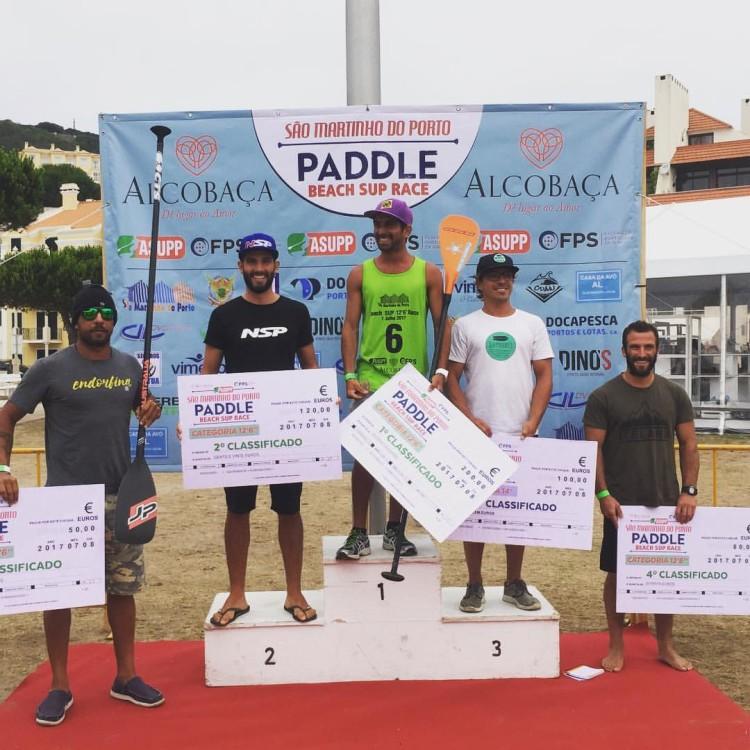 Diogo Sousa no 2º lugar do pódio 12'6 no São Martinho do Porto Paddle Beach SUP Race, ontem, sábado 8 de julho (®DR)