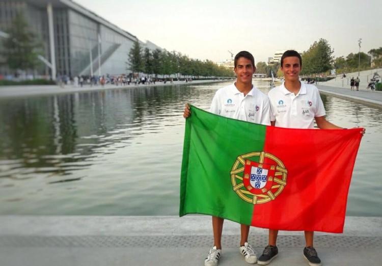 Tripulação algarvia Manuel Fortunato & Frederico Baptista está a disputar, na Grécia, o primeiro Europeu 420 em representação de Portugal (®DR)