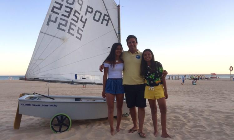 Beatriz Gago e Beatriz Cintra dizem que sem o treinador nada seria possível. Frederico Rato diz que é a alegria das atletas que lhe dá energia (®PauloMarcelino)