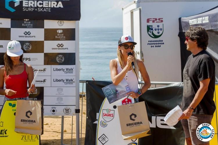 Joana Schenker chegou ao quarto título nacional consecutivo com vitórias em todas as etapas e ainda a uma do final do circuito (®AlvaroFR/EriceiraSurfClube)