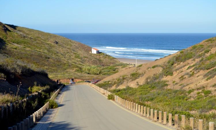 Domingo, 20 de agosto, todos os caminhos do surf vão dar a Vale Figueiras. Em competição vão estar atletas de dimensão internacional (®PauloMarcelino/arquivo)