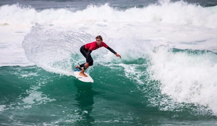 Leon Schneider em ação no Campeonato Nacional de Surf da Alemanha, em França (®AlexSarantopoulos/DWV)