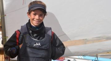 Guilherme Cavaco é Campeão de Portugal em Optimist Juvenil e confirmou o favoritismo com uma vitória em Lagos (®PauloMarcelino/Arquivo)