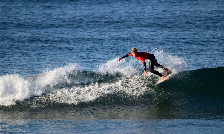 Algarvio Tomás Nunes em ação na Costa de Caparica, na finalíssima nacional Sub-12, onde conseguiu chegar aos quartos-de-final 'man-on-man' (®PedroNunes)