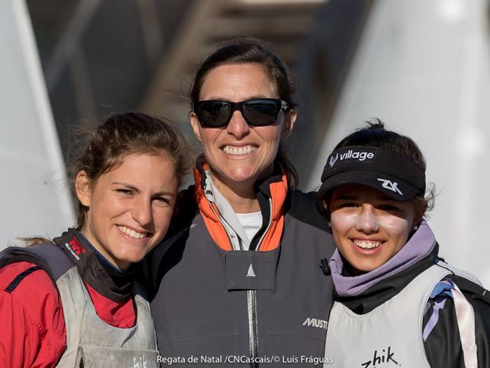 Dupla Beatriz Gago, à direita; e Marta Fortunato, com a treinadora Ingrid Braga Fortunato (®LuisFraguas/CNC)