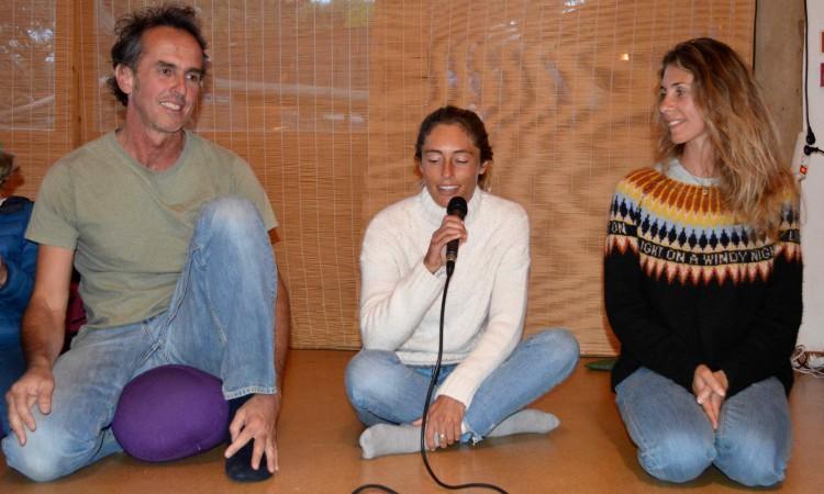 Algarvia campeã do mundo de bodyboard feminino, Joana Schenker, juntou-se à iniciativa (®PauloMarcelino)