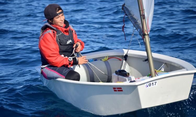Miguel Sancho, vice-líder do 'ranking' após concluído metade do novo circuito da Classe Optimist em Portugal (®PauloMarcelino/Arquivo)