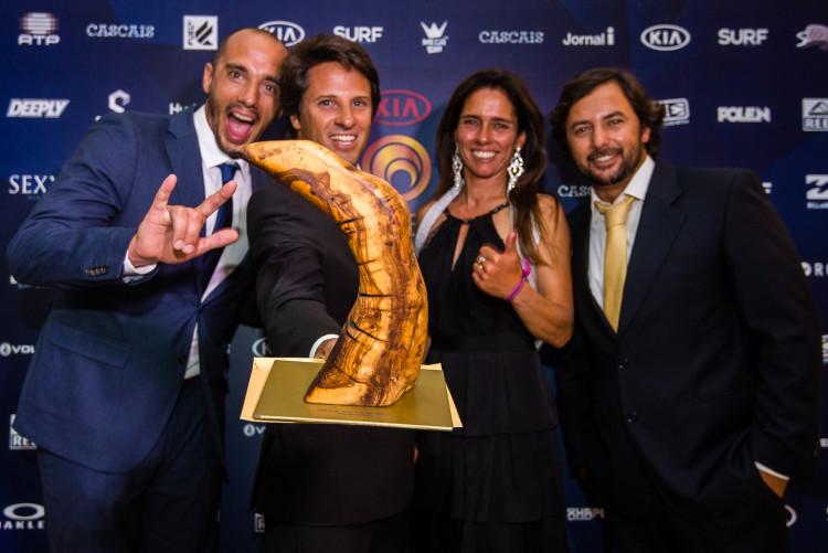 Academia Profissional de Surf, que treina o algarvio Francisco Duarte, recebeu o prémio Treinador do Ano (®PedroMestre)