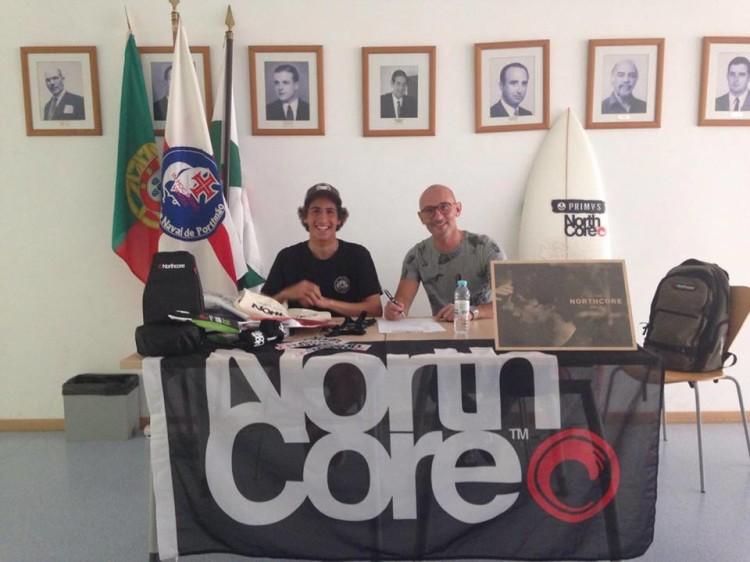 Contrato foi celebrado na sede do Clube Naval de Portimão (®DR)