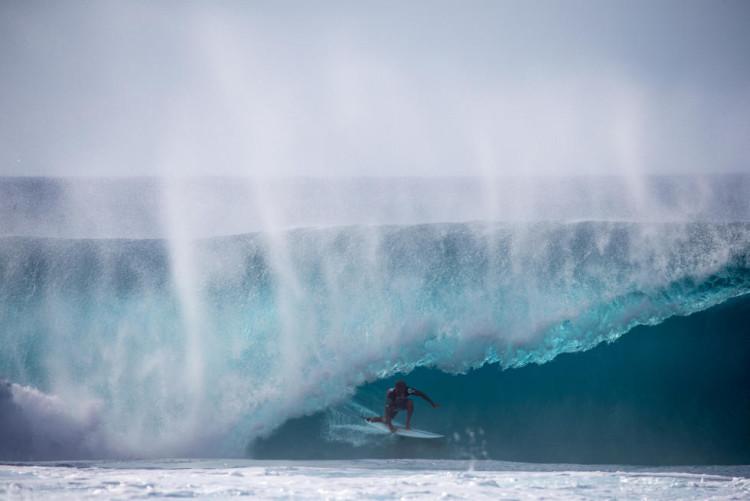 Kelly Slater na sua melhor onda durante a final do Volcom Pipe Pro (®WSL/Freesurf/Heff)