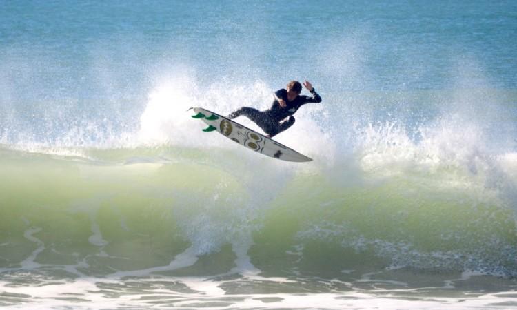 'Martim' Magalhães tem um surf progressivo, exuberante (®PauloMarcelino/Dez2015/PraiaRocha)