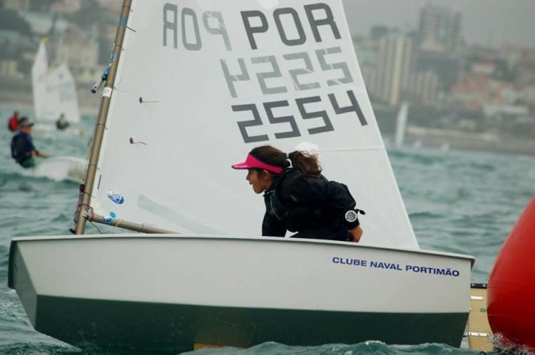 Beatriz Cintra, do Clube Naval de Portimão, vice-Campeã de Portugal de Juvenis Feminino (®FPV)