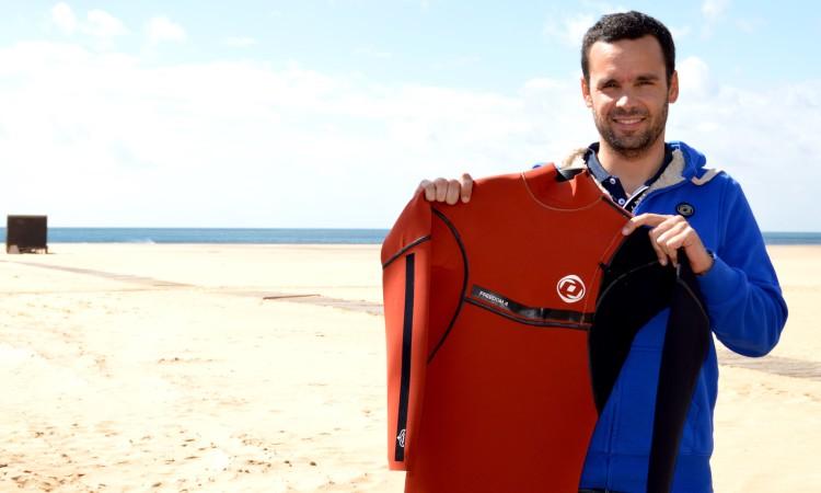 Pedro Costa Leite é o comercial da Onda Wetsuits que vai fazer a ligação ao Algarve. Foi um dos responsáveis pela escolha de João Serafim (®PauloMarcelino)