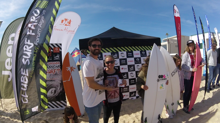 Yolanda Hopkins, a melhor surfista feminino do sul nos últimos anos, venceu o Sub-18 e o Open Feminino em Faro (®CSF)