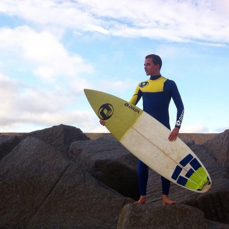 António Silveira, de Portimão, diz que o apoio é importante para desenvolver o seu surf (®DR)