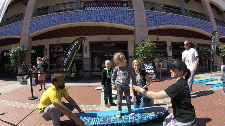 Treino funcional de surf aberto ao público no átrio do Forum Algarve (®CSF)