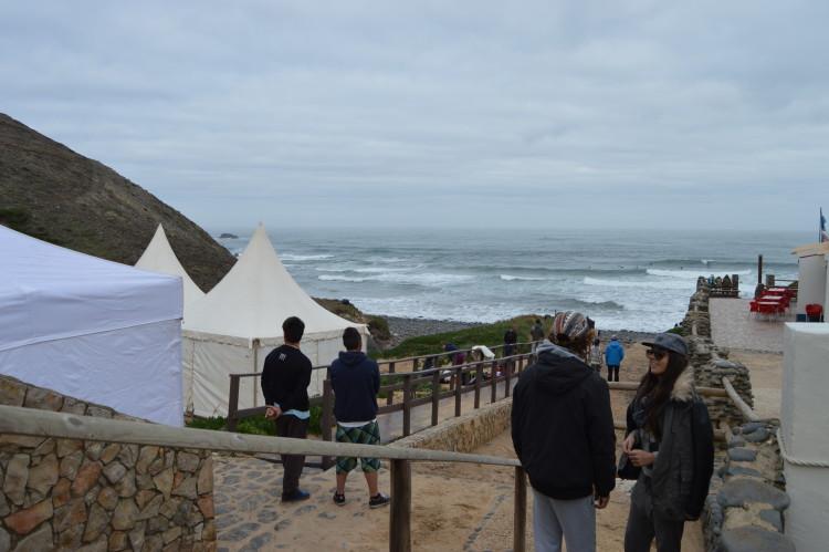 Praia do Castelejo recebeu o nacional de bodyboard em 2014, mas não tem sido escolhida para o regional de surf (®PauloMarcelino/Arquivo/2014)