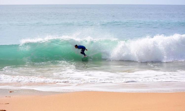 Miguel Braz gosta de terminar as ondas com um tubo… e esse vai ser o 'prato forte' em Sesimbra (®DR)