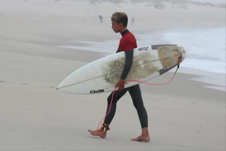Henrique Poucochinho, 7º lugar Surf Iniciados (®DesportoEscolar)